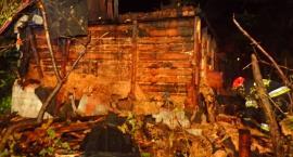 Pożar budynku u zbiegu III Poprzecznej i Wydawniczej. [ZDJĘCIA]